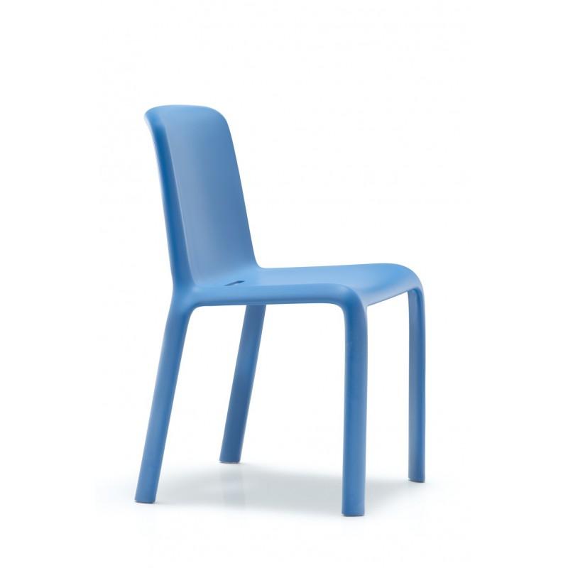 Chaise de collectivit empilable par 8 4 pieds for Chaise 4 pieds