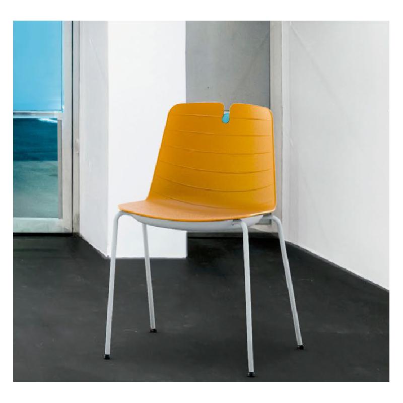 MOIGNY - Chaise monocoque